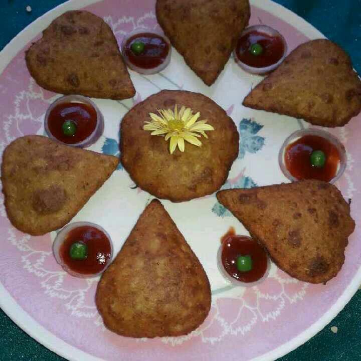 How to make Heart shaped bedmi puri /kachori