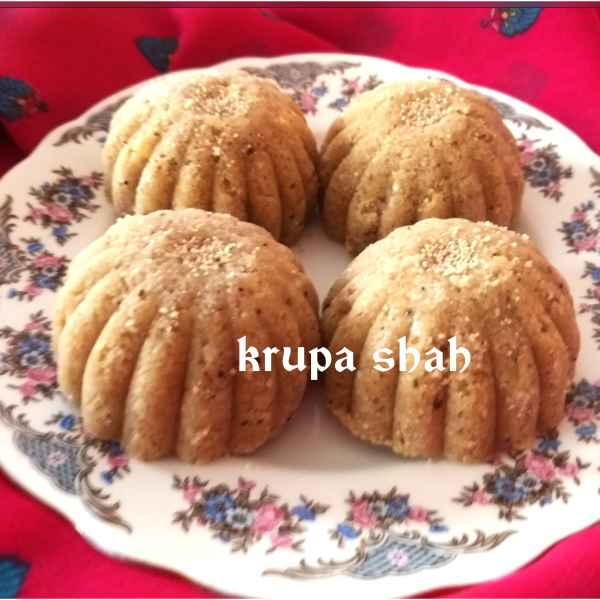Photo of Oats and whole wheat flour laddu by Krupa Shah at BetterButter