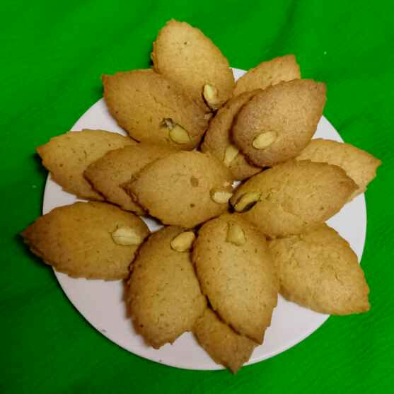Photo of Crispy Pista Biscuits by Kumuda Elavazhagan at BetterButter