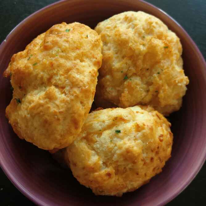 How to make Cheddar Bay Biscuits