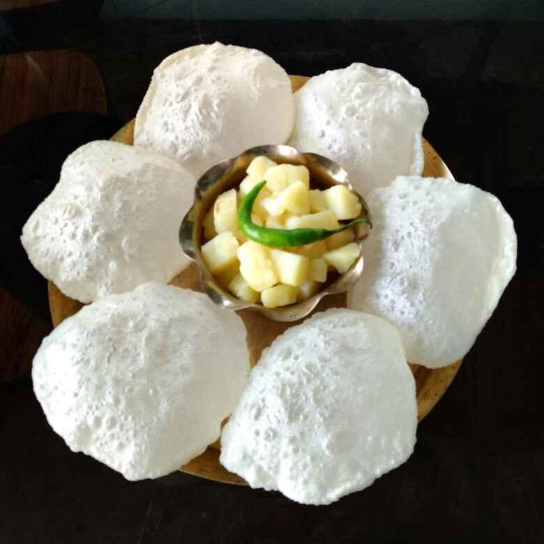 How to make Puri & white potato curry with ghee