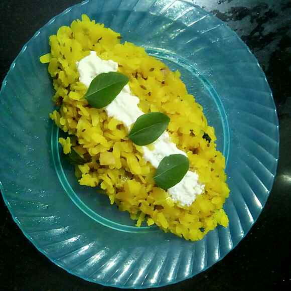 Photo of Alu kabdha poha by Lakshmi Rajnikanth at BetterButter
