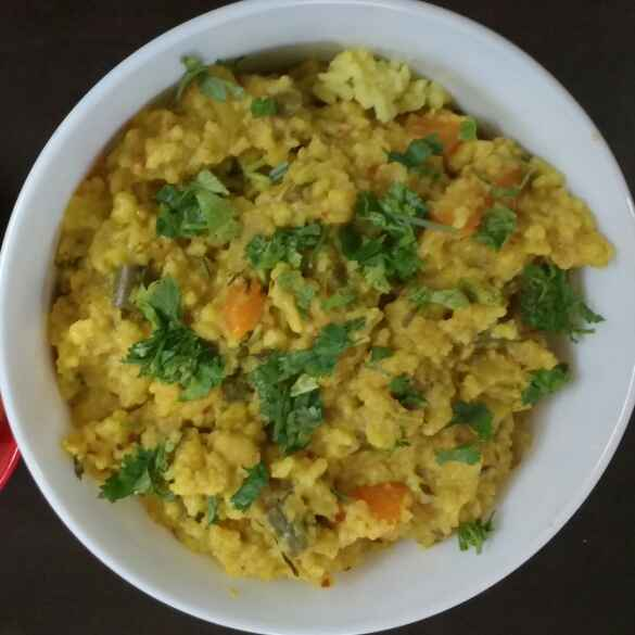 How to make Kootanchoru / mixed vegetables and lentil rice