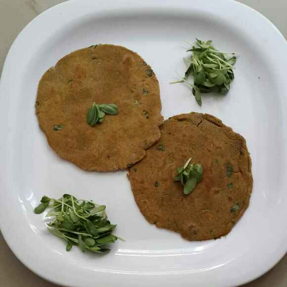 Photo of Bajra Methi Khakra by Sowmya Sundar at BetterButter