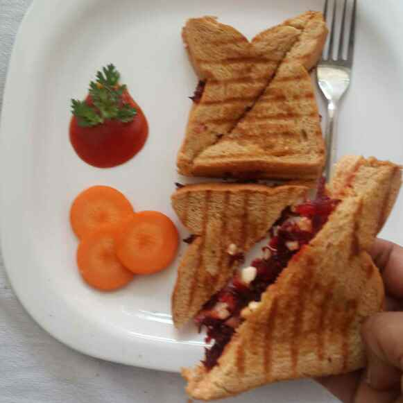 Photo of Nuts and beetroot sandwich by Sowmya Sundar at BetterButter