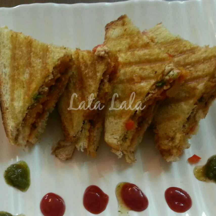 How to make Hung Curd, vegetables and Oats sandwich