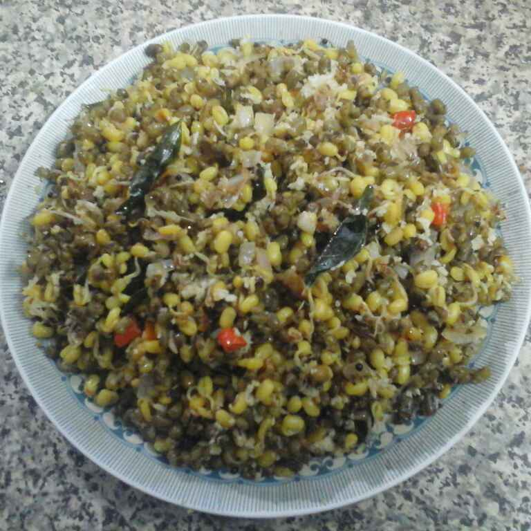 How to make Sprouted Moong Thoran