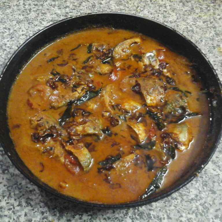 How to make Coconut Fish Curry