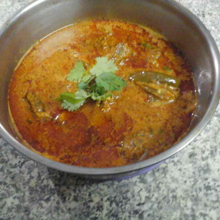 How to make Bangali fish curry with curd and mustard.
