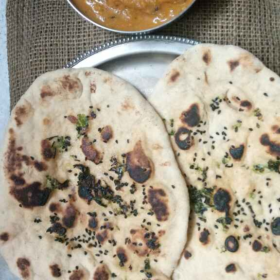How to make Tawa Garlic Butter Naan