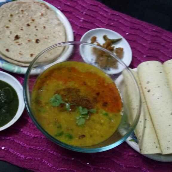 How to make Yellow dal tadka with ghee roti, papad, aachar and chutney