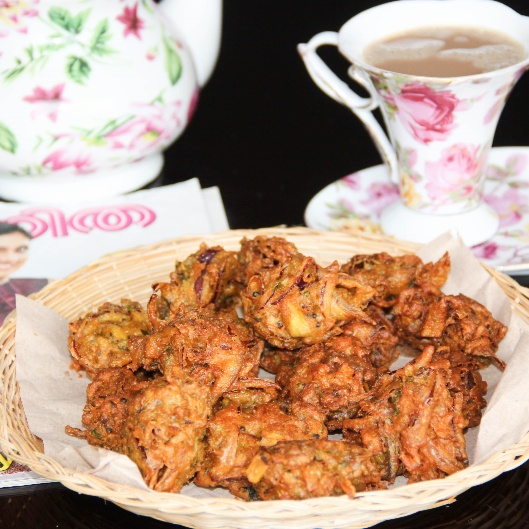 How to make Chicken Onion Pakoda