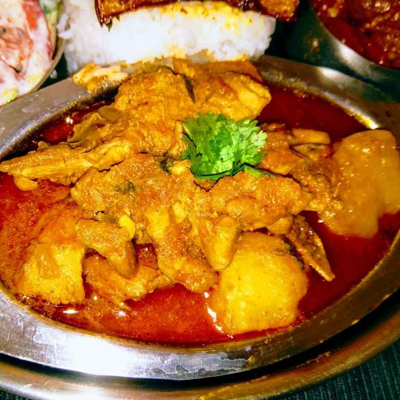 How to make Murgir Jhol/Chicken Potato Curry