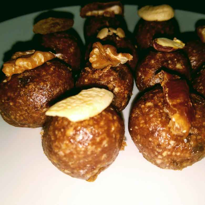 How to make Dry fruits,Dates And Chocolate Oats Energy Ladoo