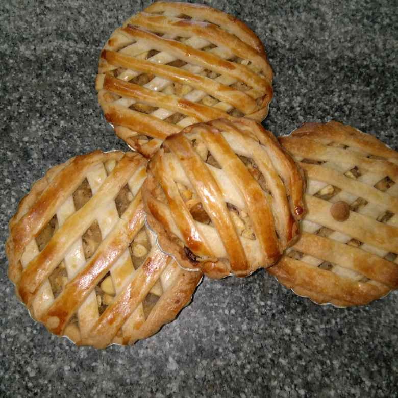 How to make Apple Pie (Egg Less)