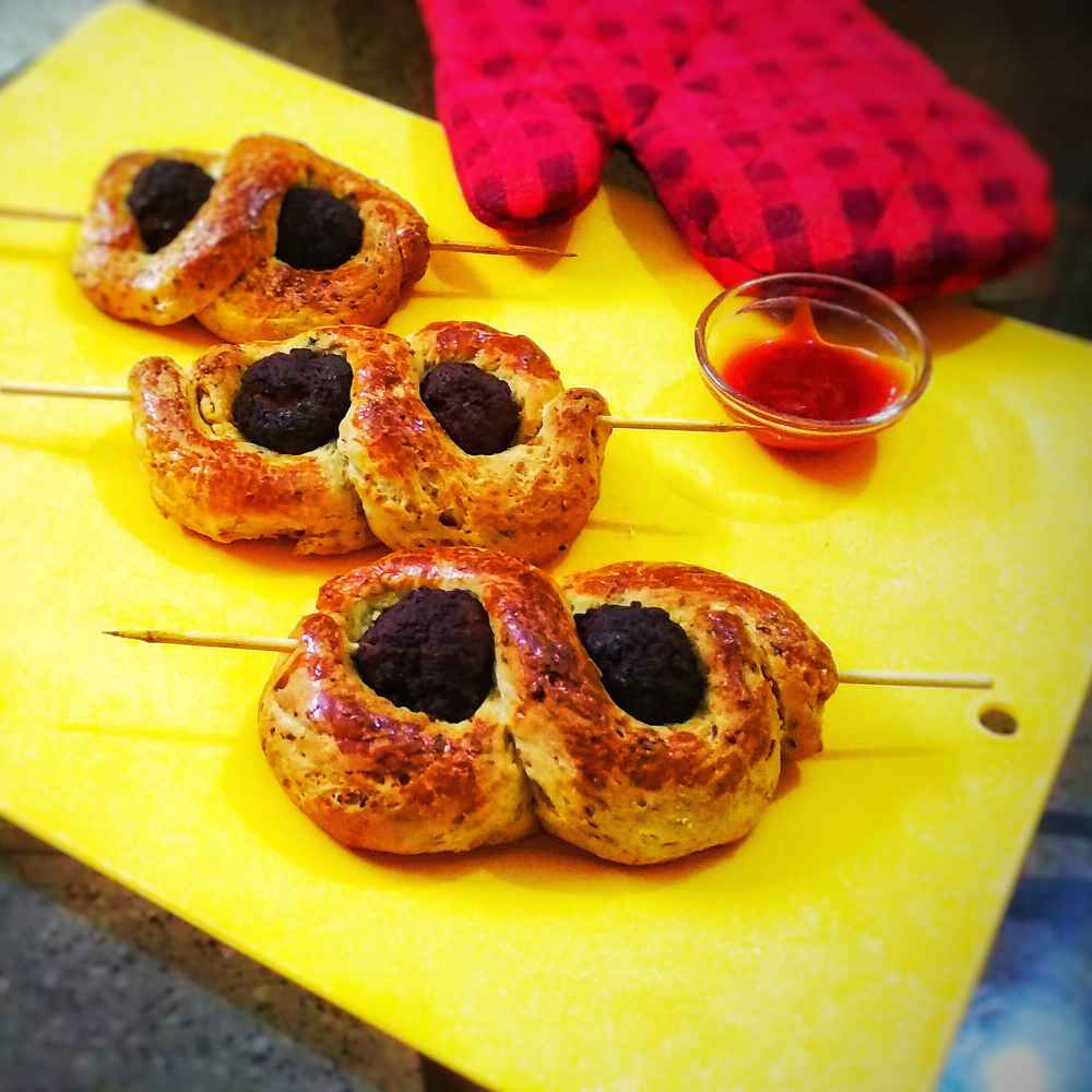 Photo of Garlic bread twister with meatballs by Lopamudra Mukherjee at BetterButter