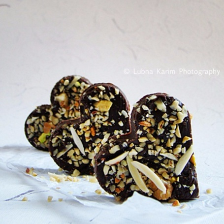 How to make Rich Chocolate Fudge With Mixed Nuts