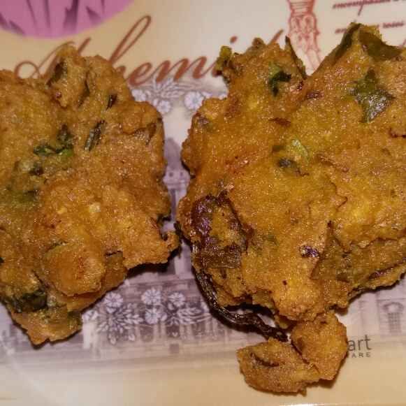 Photo of Spinach and chana dal vada by luru lisa at BetterButter