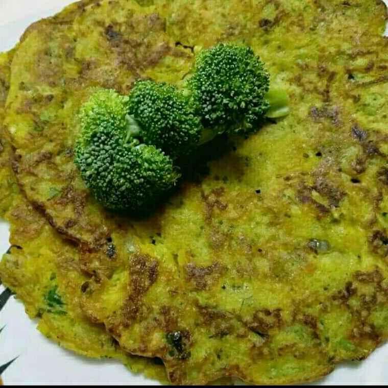 Photo of Broccoli  pan cake by Madhu Makhija at BetterButter