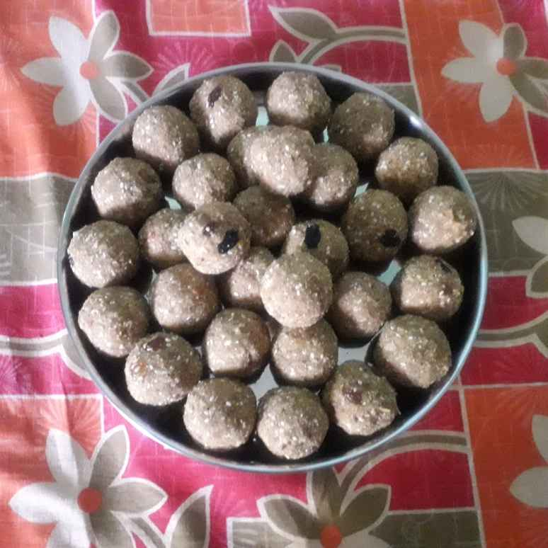 Photo of Dink and Methi ladoo by Madhumati Shinde at BetterButter