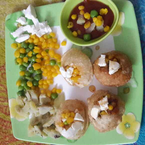 Photo of Sweetpotato golgappa khatti meethi chaat by Madhurai Kalra at BetterButter