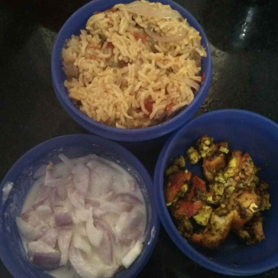 Photo of Tomato rice egg fry by Maharasi Devendiran at BetterButter