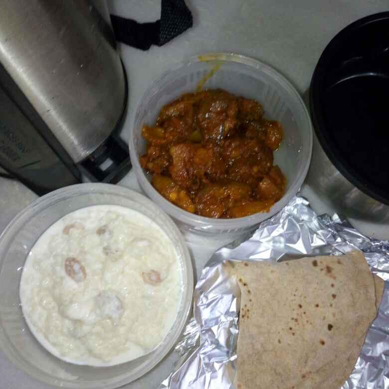 Photo of Patol aalu and roti by Mahua Ganguli at BetterButter