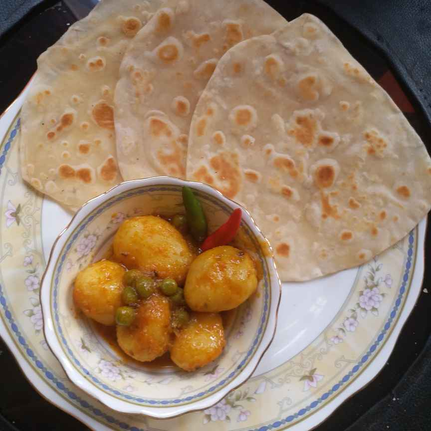 Photo of Paratha ar alur dom by Mala Basu at BetterButter