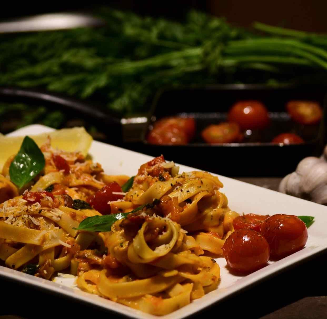 How to make Seasonal Cherry Tomatoes Marinara Pasta!