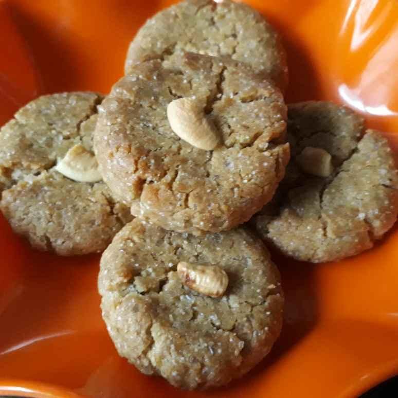 Photo of Kaju-ilaechi Misti Cookies by Mallika Sarkar at BetterButter