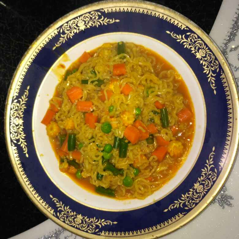How to make Veg schezwan maggi