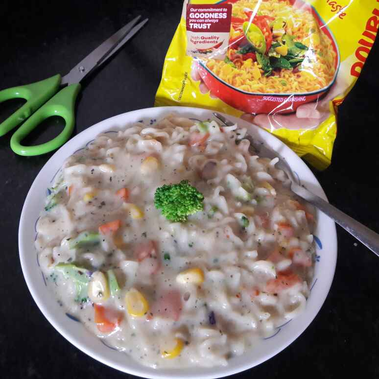 How to make Maggi in white sauce