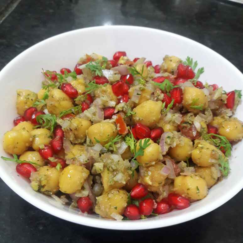 Photo of Kabuli chana salad with coconut dressing by Mamta Joshi at BetterButter