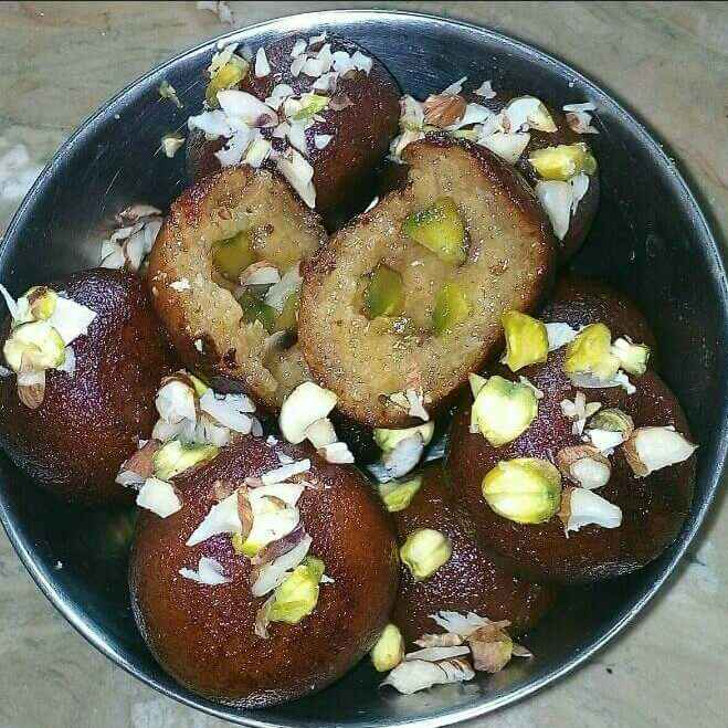 Photo of Bachi hui roti ke gulab jamun by Manisha Jain at BetterButter