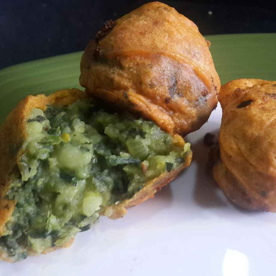 How to make Palak Potato Vada