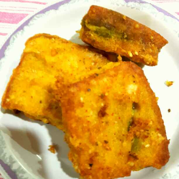 Photo of Stuffed bread pakora with leftover rice batter by Manisha Shukla at BetterButter