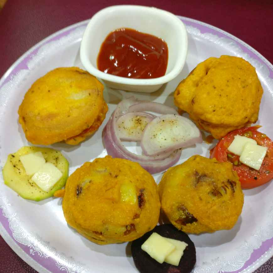 How to make Vegetables and Cheese Stuffed Onion Sandwich Pakoda ( my innovation)