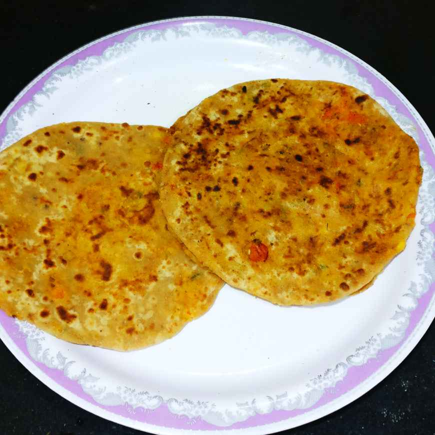 How to make Moong and Carrot Stuffed parotha.