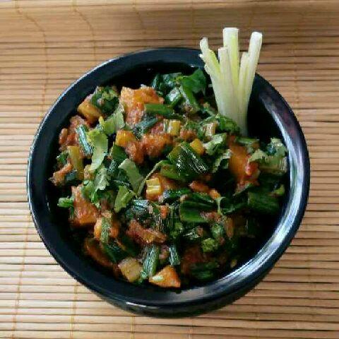 How to make Spring Onions Aaloo Sabzi