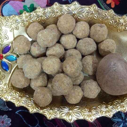 How to make Besan ladoo with dry coconut
