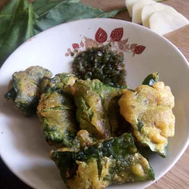 Photo of Palak vadi (stuff batata) by Maya Ghuse at BetterButter