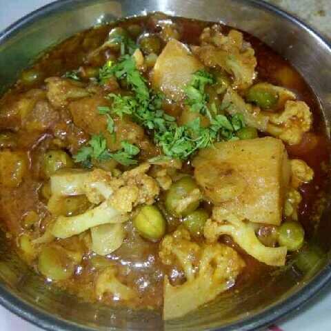 How to make Matar aalu kobi