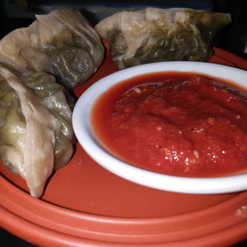 Photo of spinach momos with spicy chatni by Mayuri Vora at BetterButter