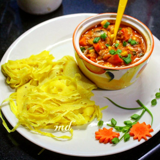 How to make Roti jala lace crepes with red thai curry