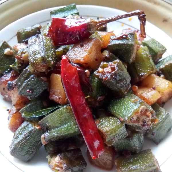 How to make Okra and potato fry