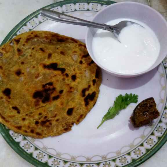 Photo of Rosted besan parantha by Meenu kawaljit Luthra at BetterButter