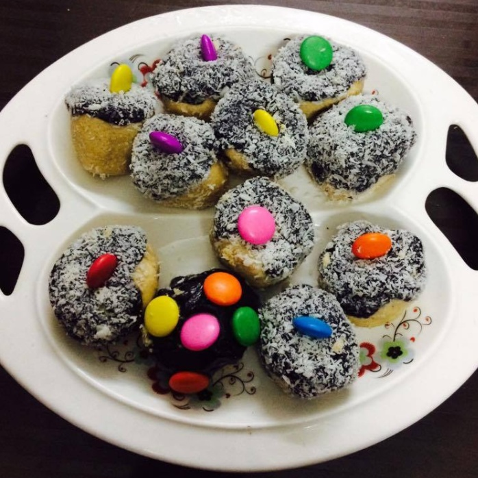 How to make Peanut Butter Laddoo with Chocolate Glaze
