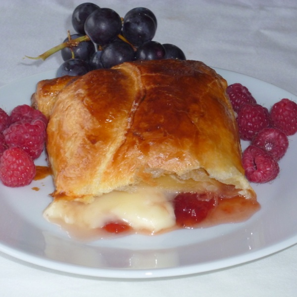 Photo of Baked Brie in  Puff Pastry by Menaga Sathia at BetterButter