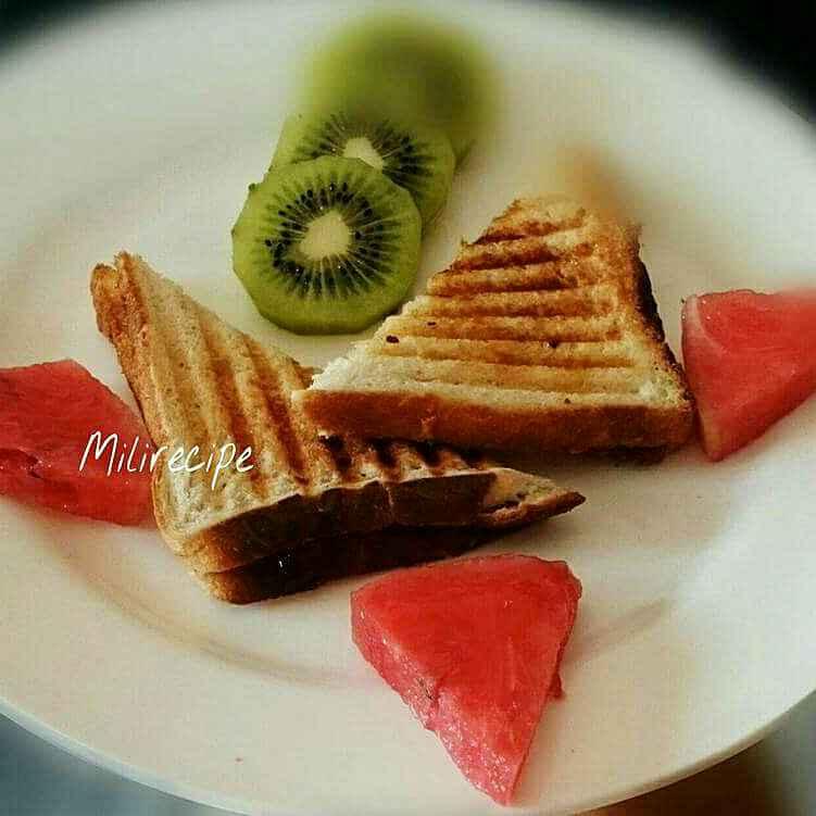 Photo of Banana honey sandwich by Mili Dutta at BetterButter