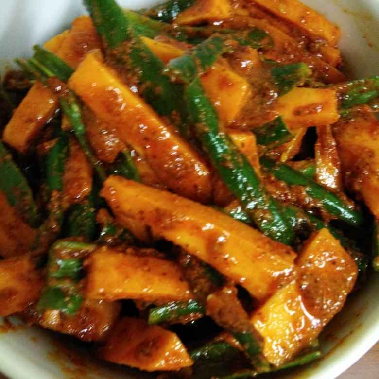 How to make Carrot and Green Chilli Pickle